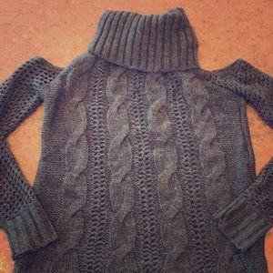 Women's Cold Shoulder turtleneck sweater AE 🦅